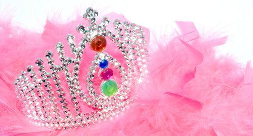 בחג פורים, מי לא רוצה להיות מלכה?
