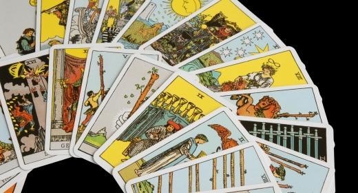 אומנות הקריאה בקלפים