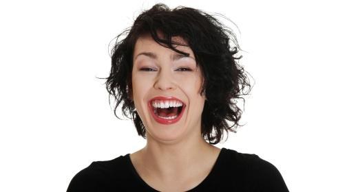 מהי יוגה צחוק?